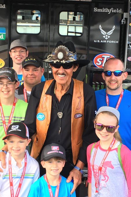A very Happy 80th Birthday to this living legend...Richard Petty!
