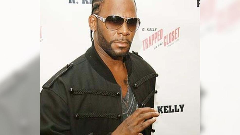 R. Kelly accused by parents of holding their daughters in 'sex cult' https://t.co/DFBJUJp1St