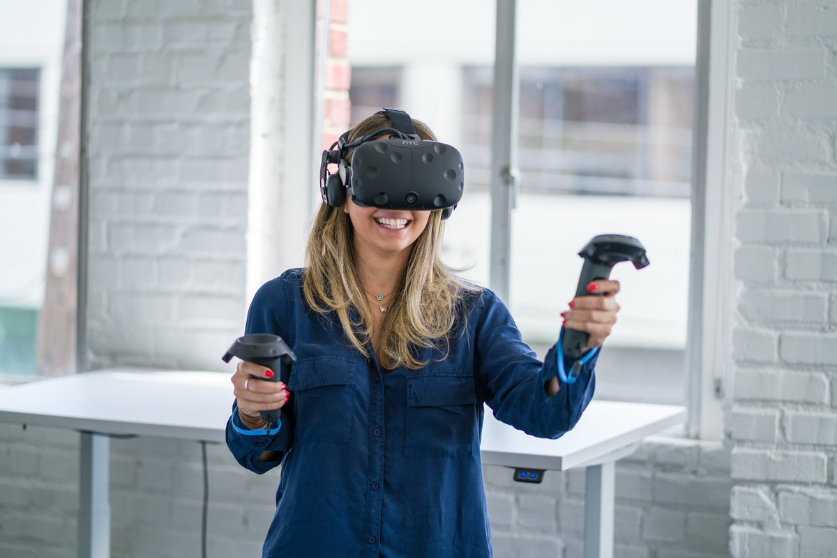Passionate about @htcvive VR & ready to make a career leveraging your network to build a community influencers? bit.ly/VIVEJobs
