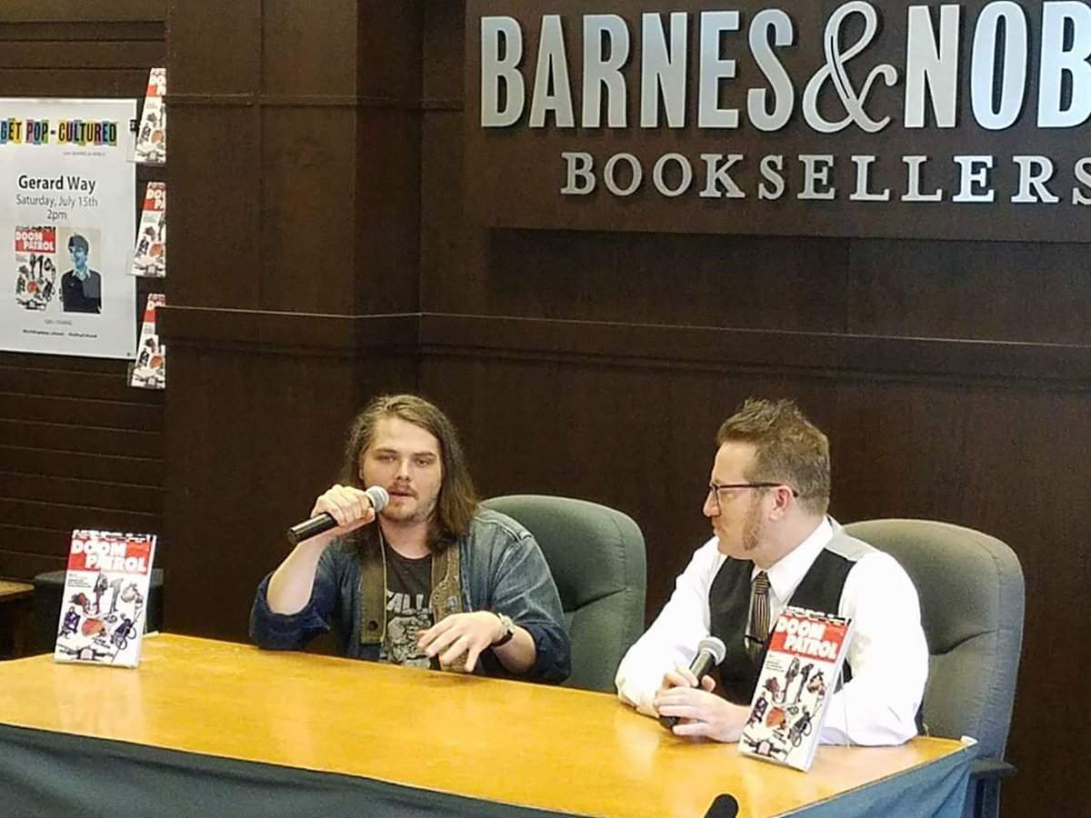 Barnes Noble Events The Grove On Twitter A Sold Out Crowd