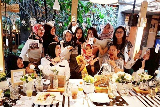 Congratulations @Karinvirgianee  #Bridalshower at Cafe Halaman   Photo by @ysasmitaanggun <br>http://pic.twitter.com/bkFfBFRGXR