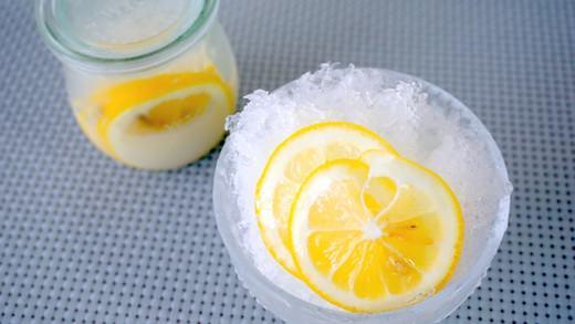 おうちかき氷にも♪「レモンのカルピス漬け」が甘酸っぱくておいしい!   @enuchijpより