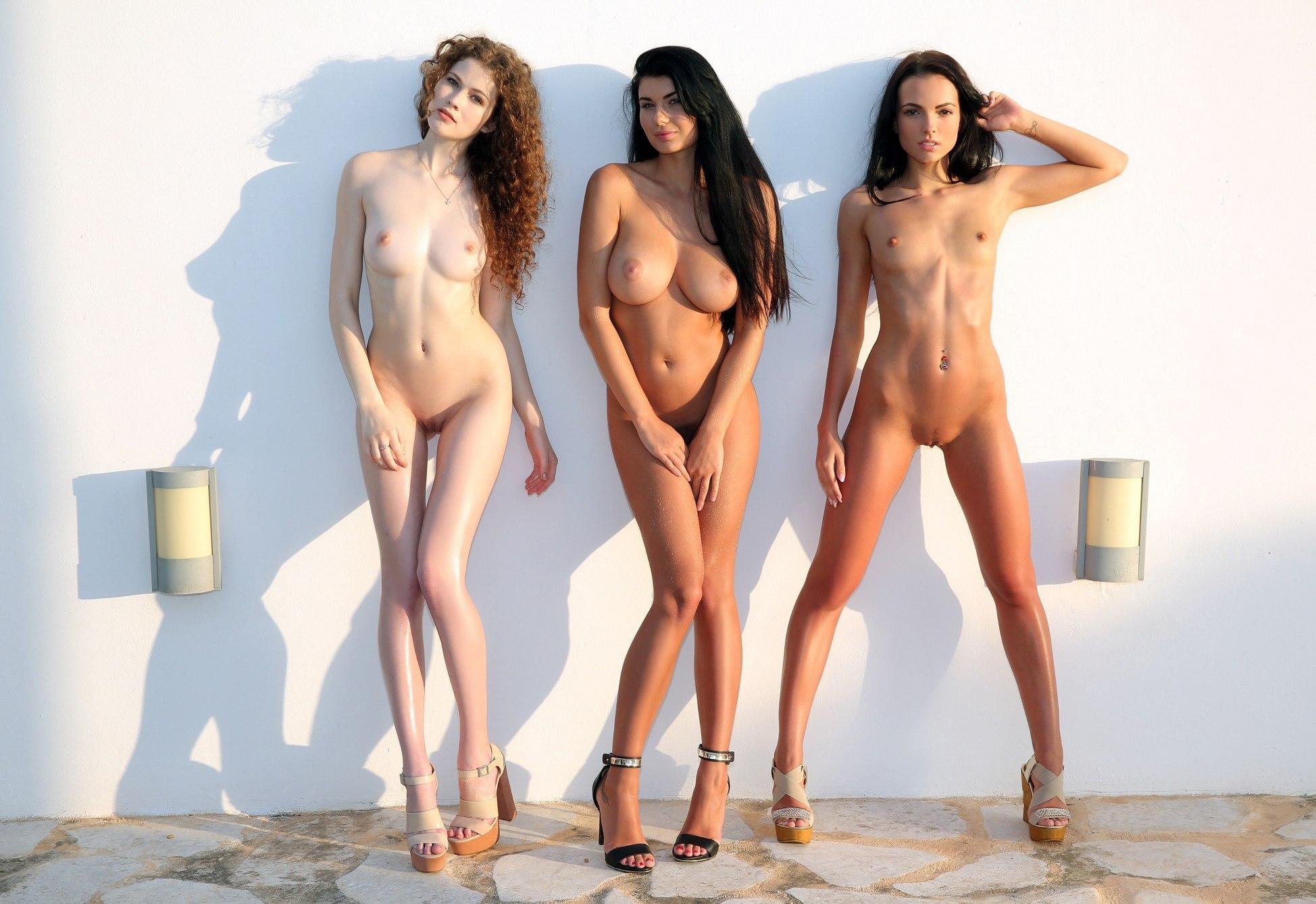 igri-golie-fotomodeli-ivi-doris-porno