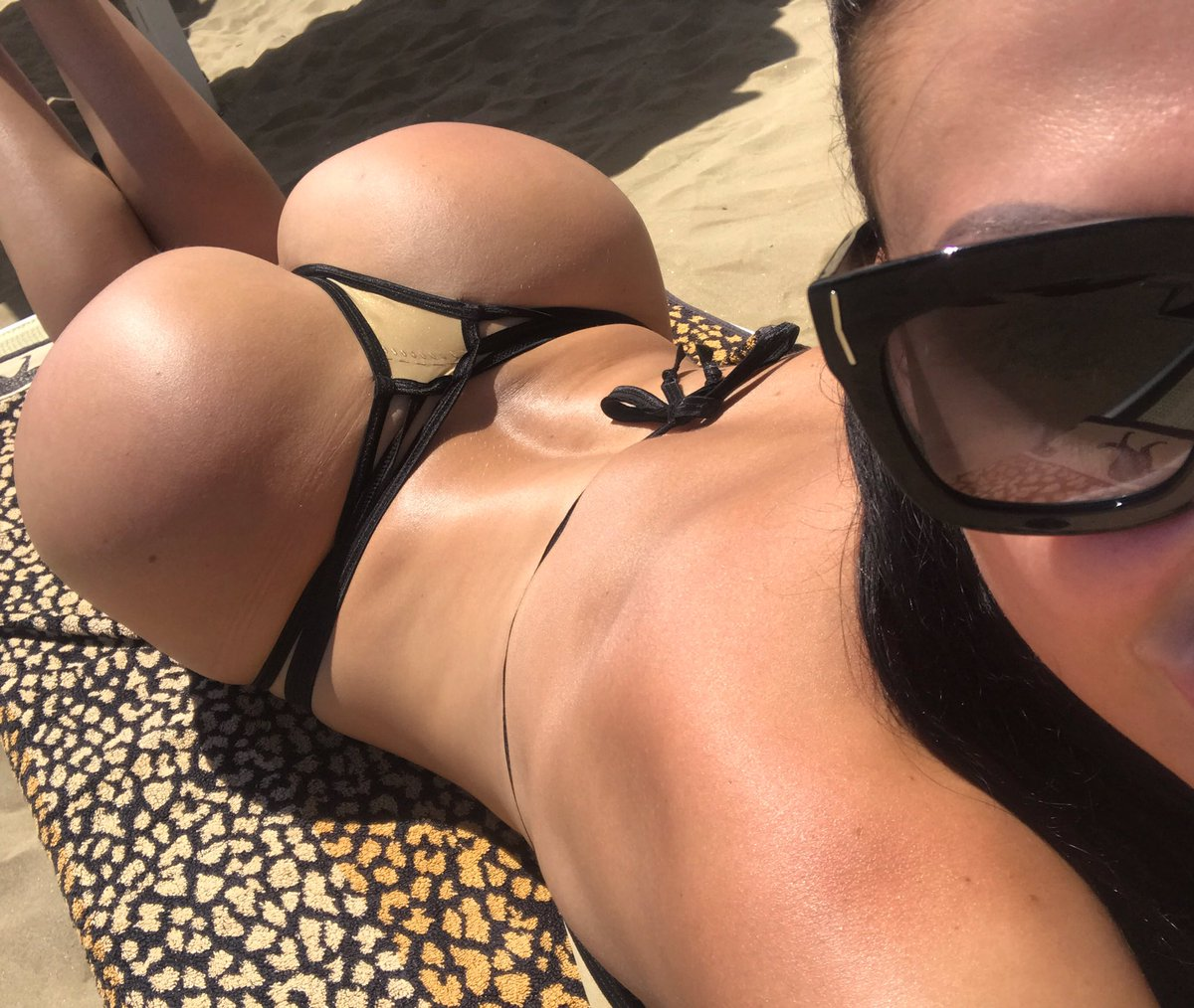 Aletta Ocean-pornstar  - Sunburn is o twitter @ALETTAOCEANXXXX