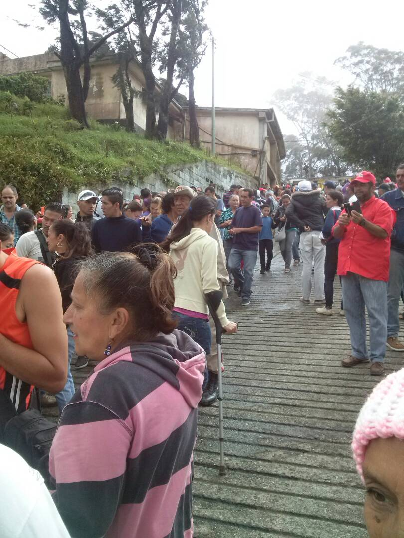 Escuela Sabaneta km 16 de El Junquito #16JEnsayoConstituyente #VenezuelaVotaEn14Dias https://t.co/lcuGpJGDpk