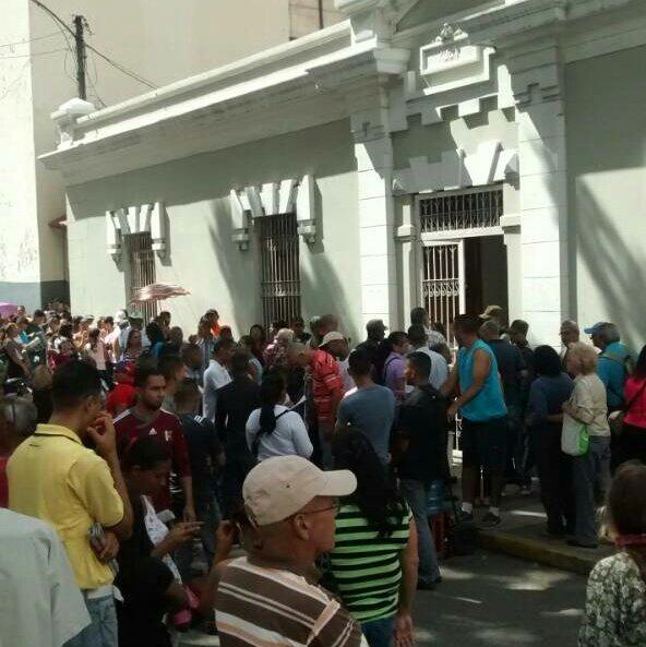 Así está la UE 19 Abril de la parroquia San Juan en Caracas 10:23am #16JEnsayoConstituyente #VenezuelaVotaEn14Dias https://t.co/MAjVBH3w6H