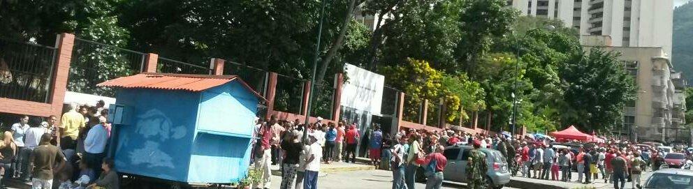 Centro de votacion F. Sarmiento parroquia El Recreo (CCS) 10:27am #16JEnsayoConstituyente  #VenezuelaVotaEn14Dias https://t.co/DVBwjJkcIl
