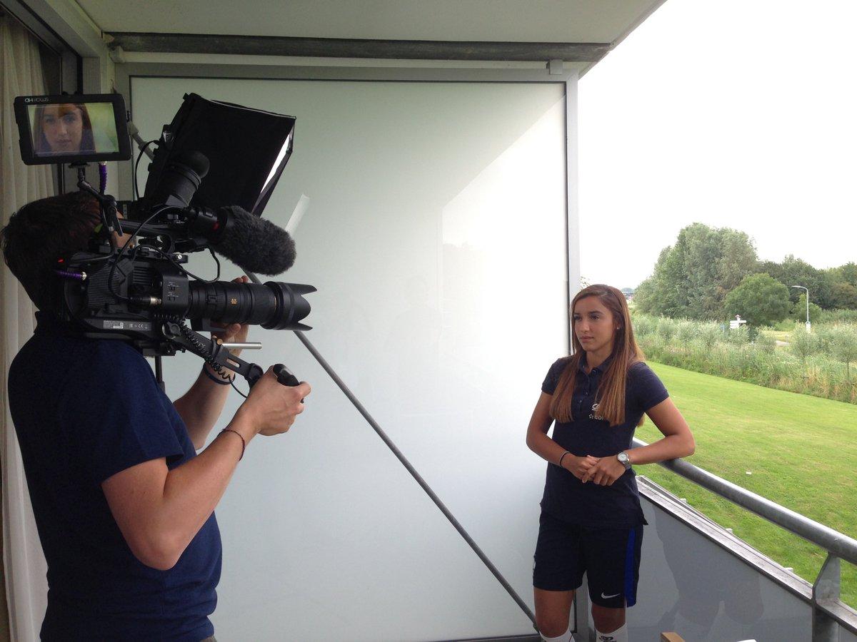 Wendy renard interview - Sakina Karchaoui Wendie Renard And Euro F Minin 2017