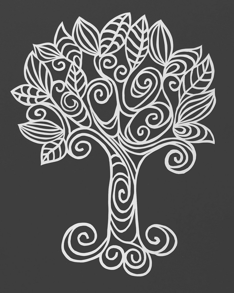 The finished swirly wirly tree I cut this afternoon  #HandmadeHour #parrispapercuts<br>http://pic.twitter.com/n0G4Z1416x