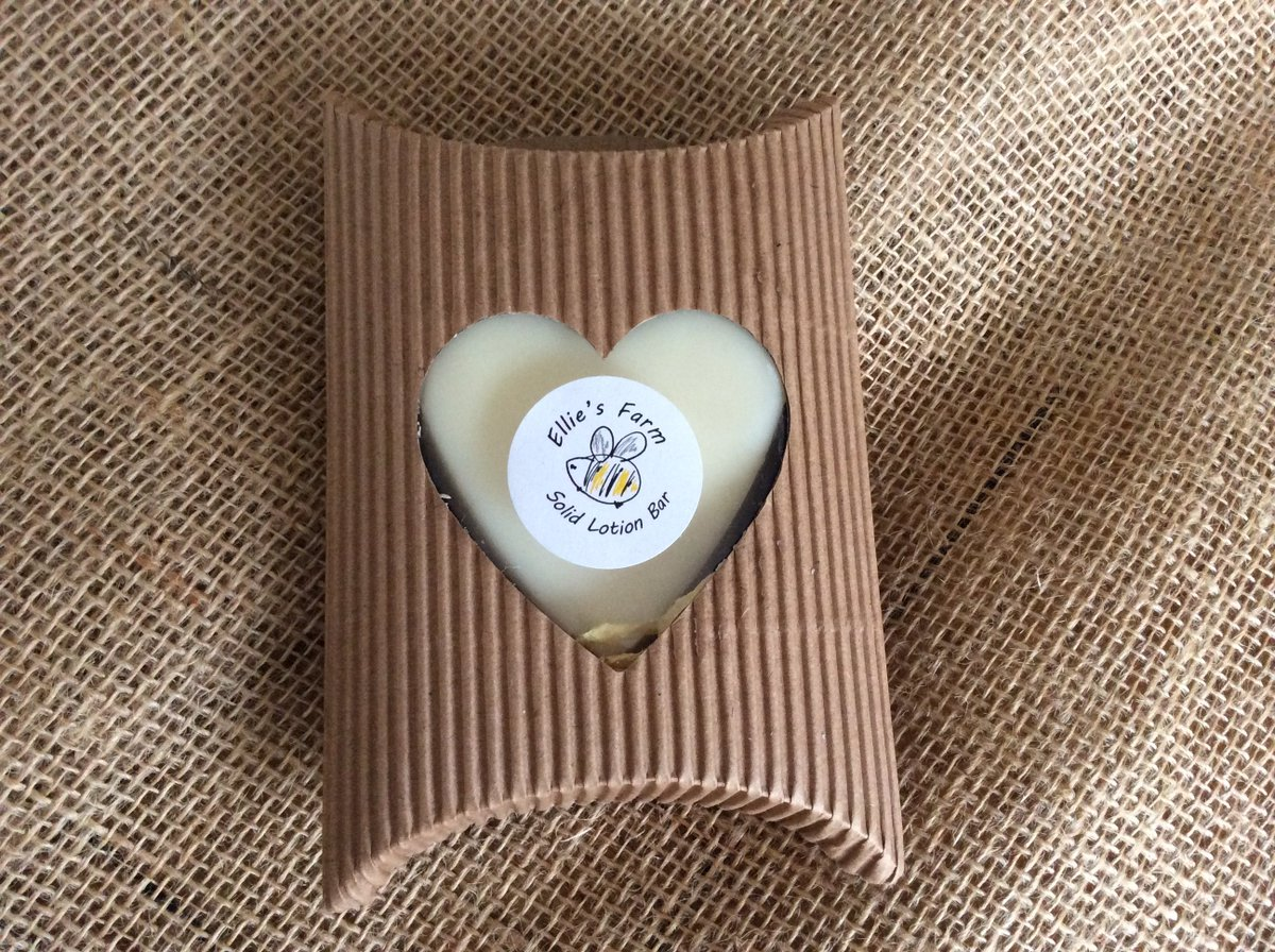 Our Sandalwood Solid Lotion bars are a great natural moisturiser for dry skin - and smell gorgeous!  http:// ow.ly/qSXB30dFtVx  &nbsp;   #HandmadeHour <br>http://pic.twitter.com/mgyEc5SZrX