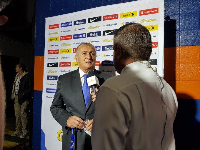 Copa Oro 2017: El Salvador vs Jamaica. Preparacion del juego. DE4fIG6UAAAhlSE