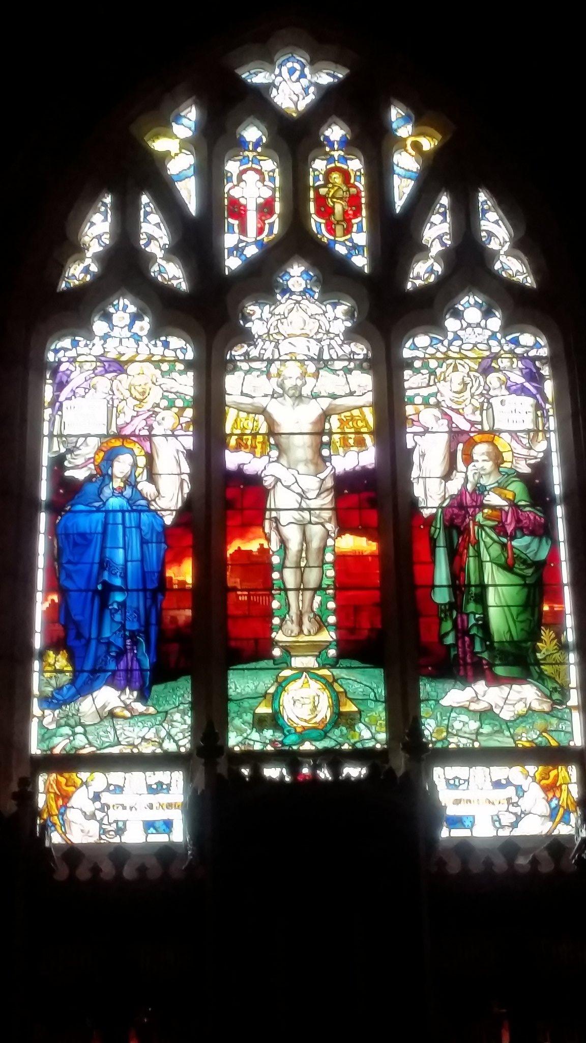 Fantastic Powhiri at King's College Chapel #Slanza17 Amazing windows too! https://t.co/VS9X7uu1p9
