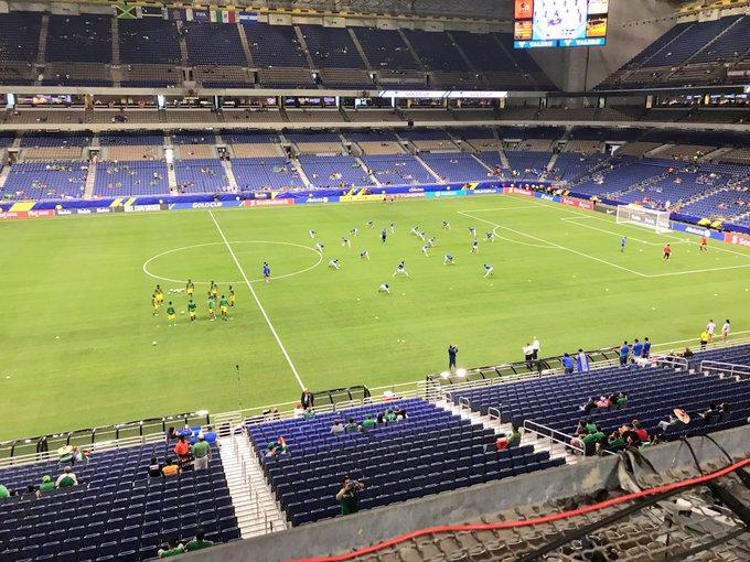 Copa Oro 2017: El Salvador vs Jamaica. Preparacion del juego. DE4vgmfVoAAFM2r