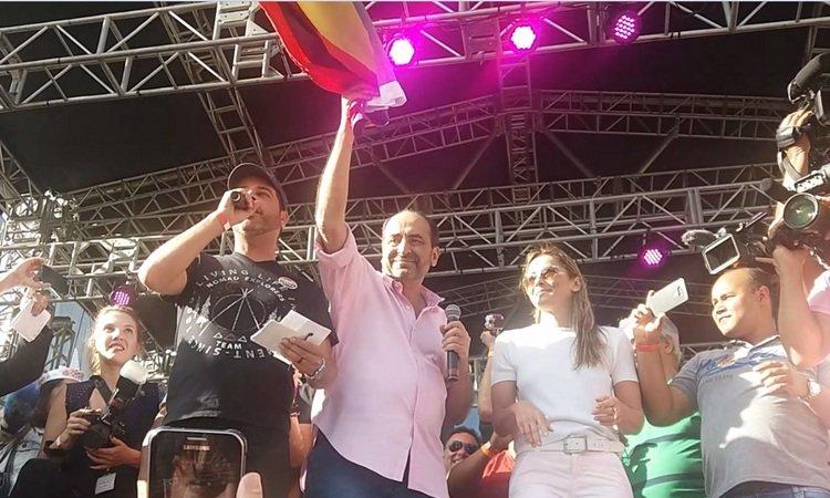 Kalil: 'Vamos fazer nos próximos quatro anos a maior parada gay do Brasil'. https://t.co/nL0oP19i7z