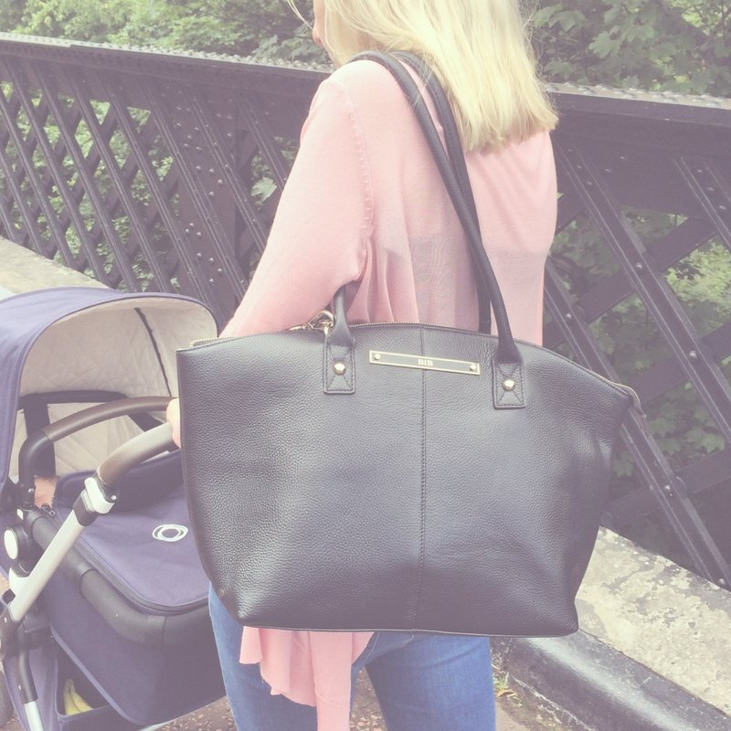 #WIN an elegant Wyn Tote Leather Baby Changing Bag! To enter #competition follow @BabySwaporShop &amp; @BIBbags &amp; RT<br>http://pic.twitter.com/9bShzra5es