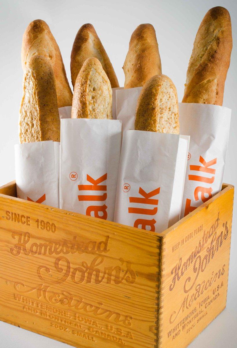 The freshest in town!  #Bread #Bakery #BreadTalkSL #Colombo #SriLanka #Lka https://t.co/FWei1jeXPx