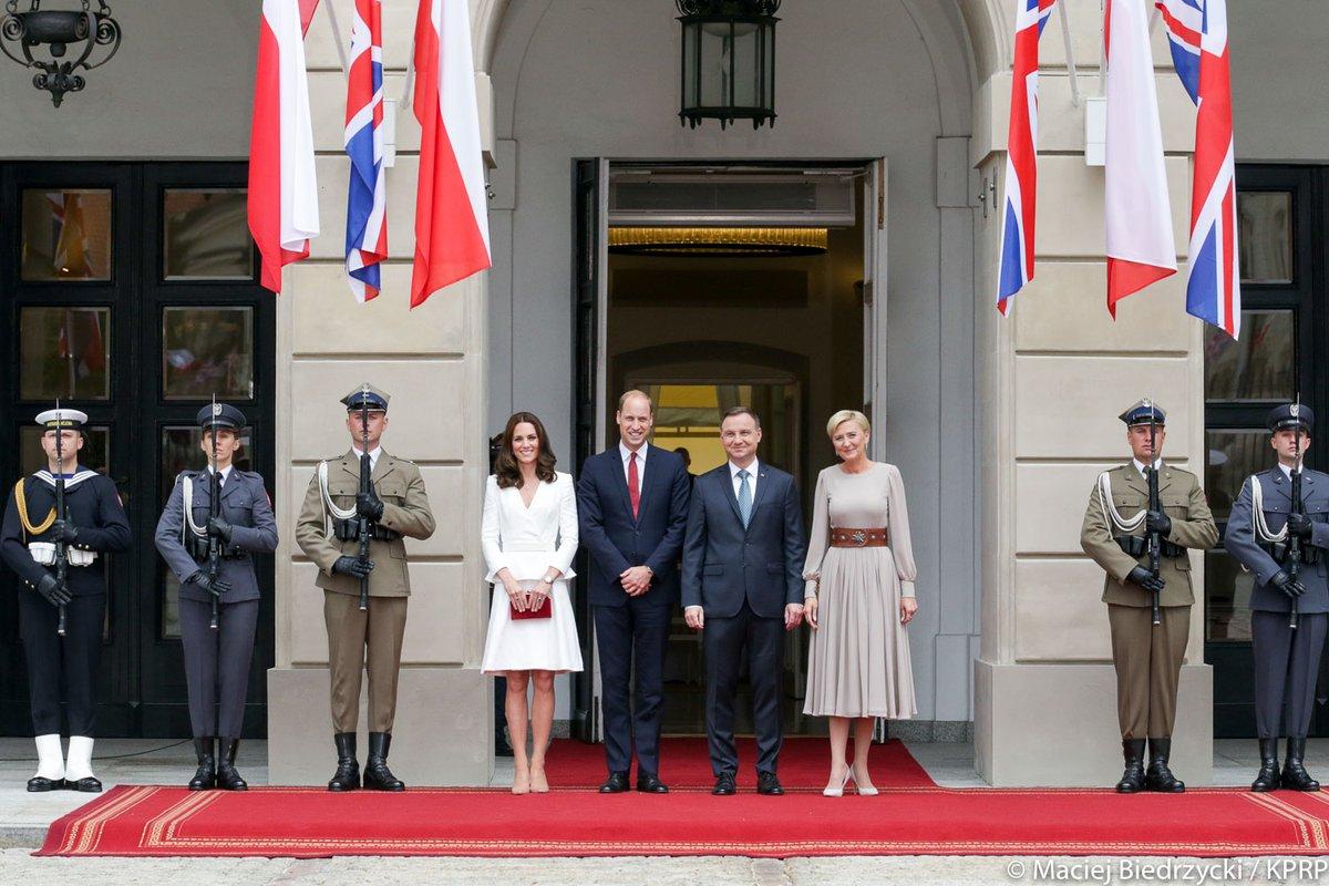 Тур герцога и герцогини Кембриджских по Европе, день 1