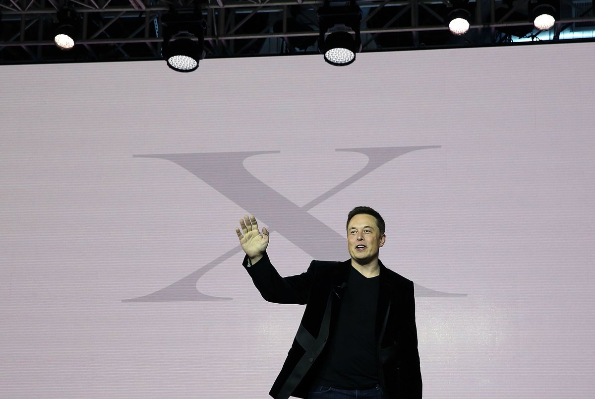 Elon Musk says we need to regulate AI before it becomes a danger to humanity https://t.co/OYLdTgT0D6