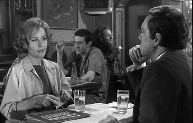 Robert de Niro, figurant derrière Annie Girardot et Maurice Ronet dans le film 3 chambres à Manhattan, 1965 #Cinema