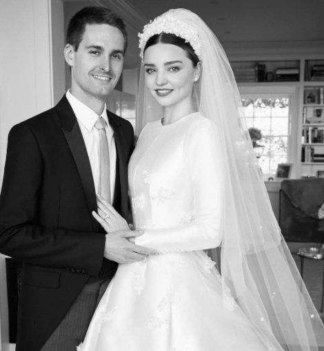 f20564b07fd And the bride wore Dior  Miranda Kerr reveals her stunning couture wedding  dress https   t.co VRMh7OUtxv