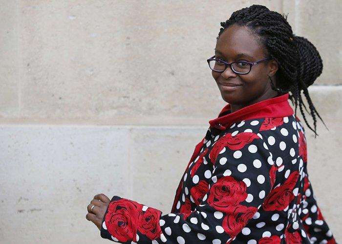 "La conseillère communication de l'Élysée Sibeth Ndiaye ""assume parfaitement de mentir"" >> https://t.co/AYrDjO4yv3"