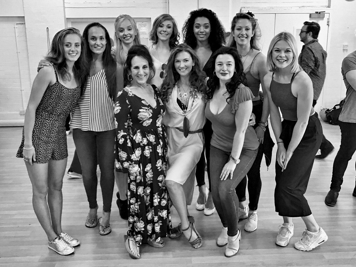 Mel and Stro's girls! @youngfrankldn @MelBrooks #YoungFrankFraus #YoungFrankSquad #YFS https://t.co/cCNMrKTGmR