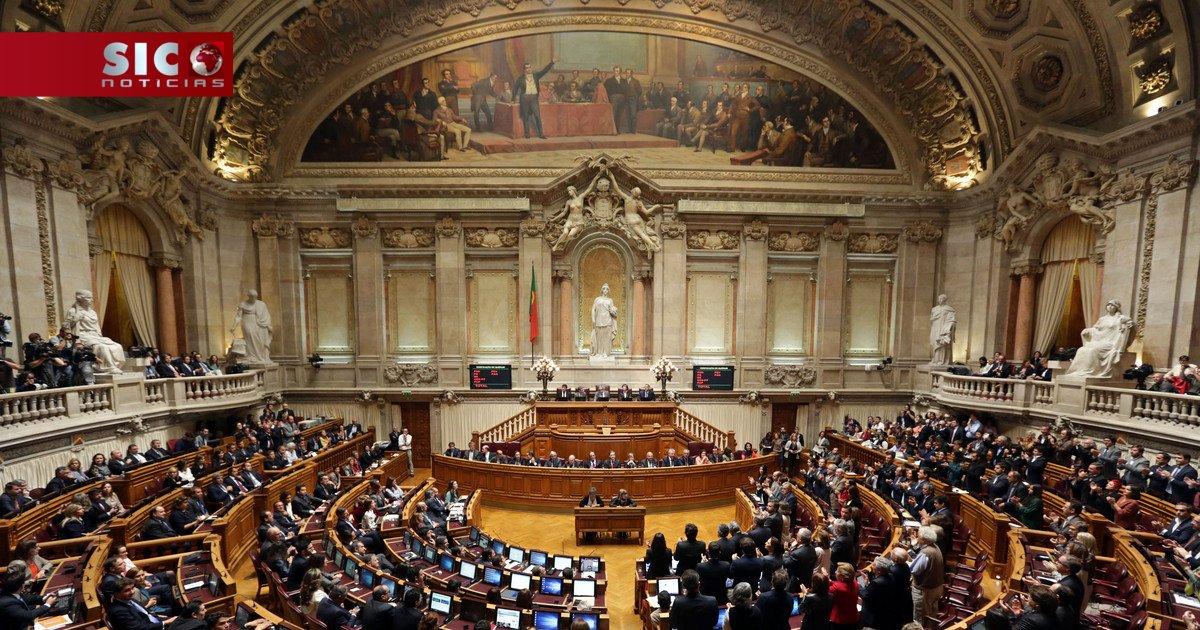 PS propõe adiamento da eleição da ERC, fiscalização das secretas e provedor de Justiça https://t.co/s409hxFBhQ