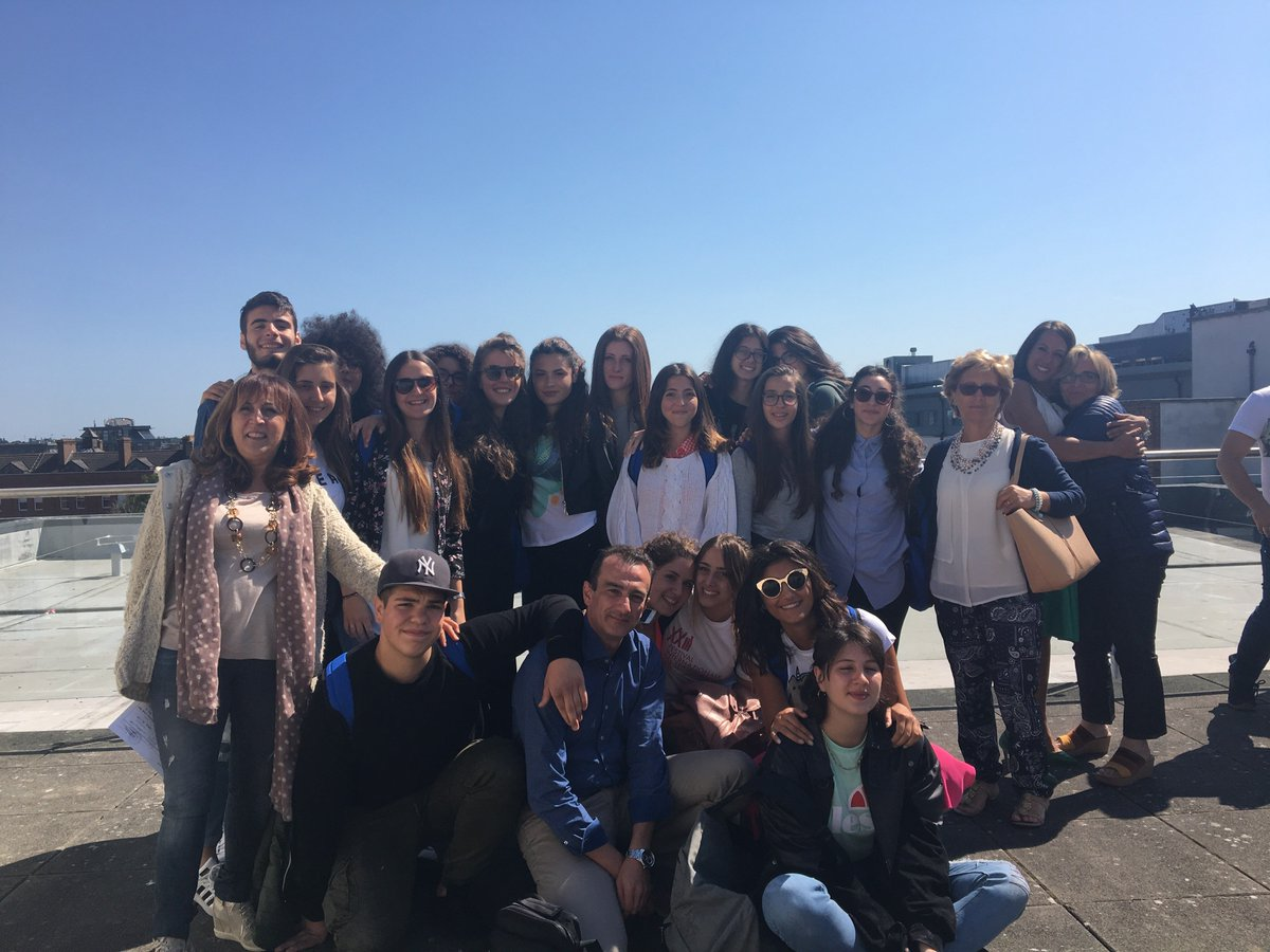Our group all the way from Vico del Gargano in Puglia on their #PON #POR trip enjoying our rooftop terrace! #ihdublin #apprendimento<br>http://pic.twitter.com/rV18unmzhB