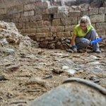 #ArqueoBorn17 Avui ha sigut el primer dia per les alumnes del Grau d'#Arqueologia que excavaran amb nosaltres les properes dues setmanes
