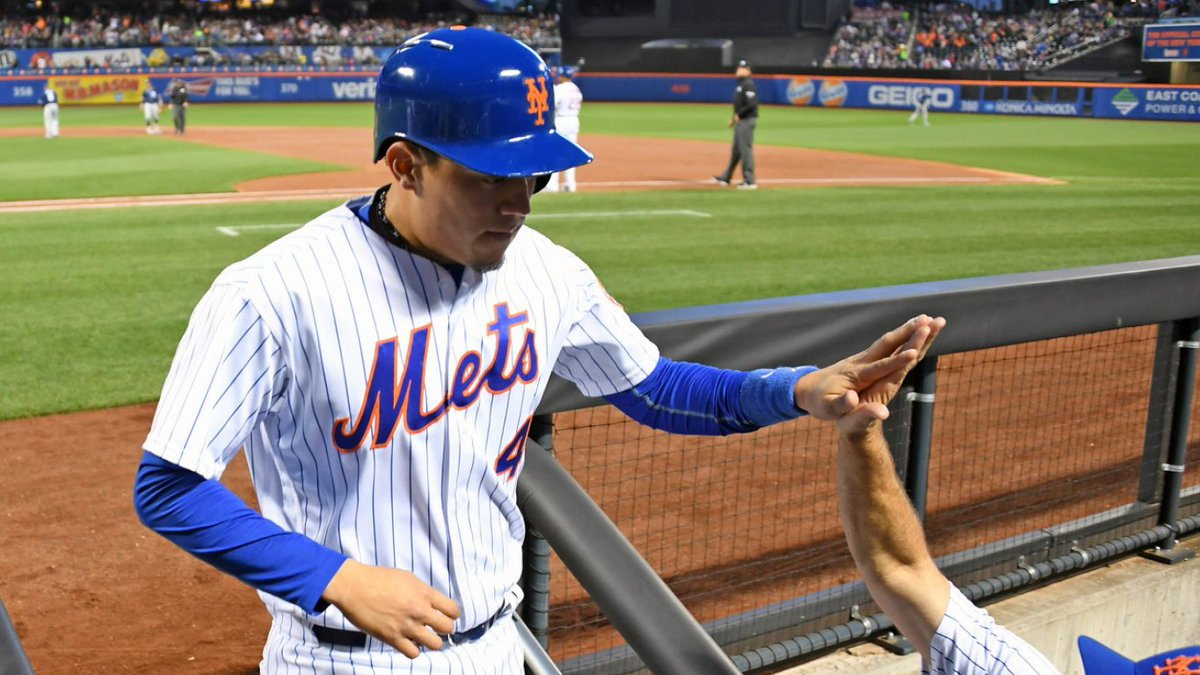 RT for your chance to win a Wilmer Flores autographed photo!   Rules:...