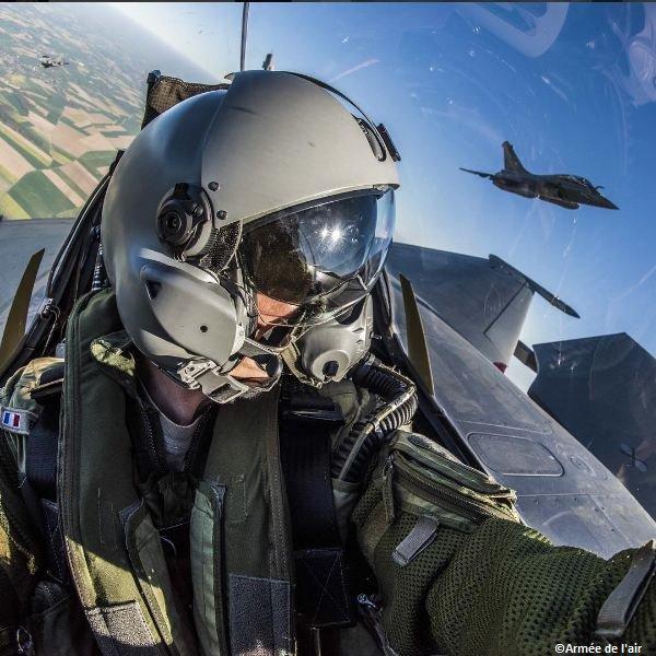 L'@Armee_de_lair c'est + de 50 métiers autour du #pilote avec ou sans...