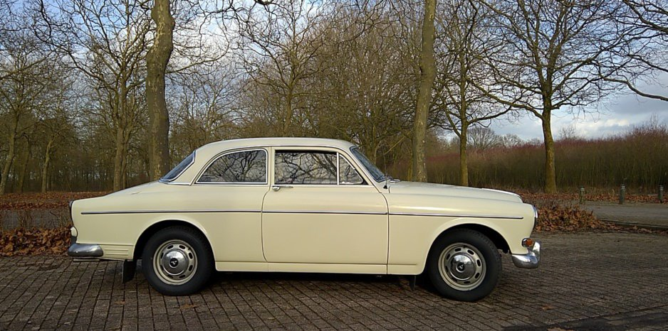 She also had a pearl white Volvo Amazon, still one of the best looking cars ever. https://t.co/gWs6TG3R9P