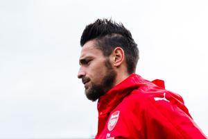 Mercato : Mathieu Debuchy débarque à Nice ! https://t.co/N8dBFw4X63