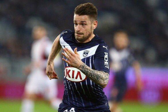 [#Transfert] BREAKING ❗️  Mathieu Debuchy est attendu à Nice dans les prochaines 48 heures pour passer sa VM. (@RMCsport)