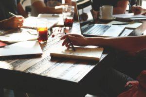 How The Gig Economy Can Help Small Businesses  https:// jasonfalls.com/gig-economy-sm all-businesses/ &nbsp; …  #SmallBusinessMarketing #freelancers<br>http://pic.twitter.com/ptdFjouSfK