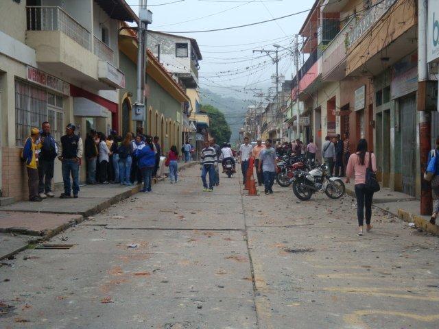 #17Jul 9:30 am Así amanecó la Av Miranda de Boconó, la más afectada po...