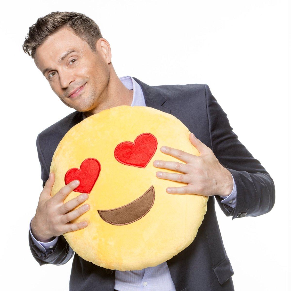 I've got nothing but ❤! What's ur emoji?...
