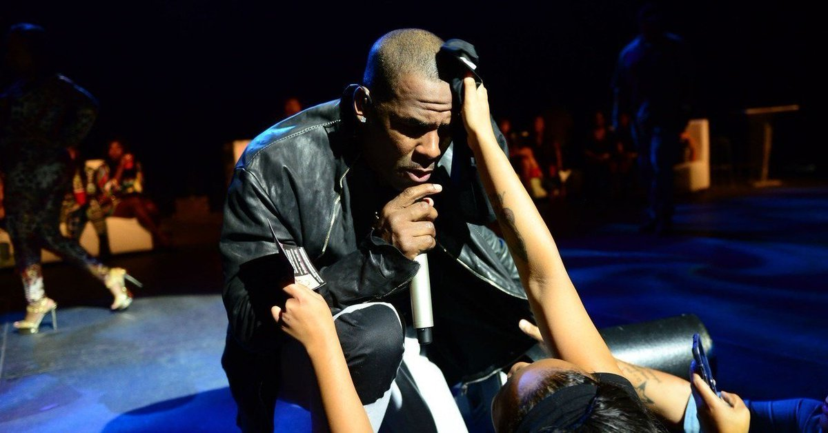 "R. Kelly is holding women against their will in a ""cult,"" parents told police https://t.co/Mv37ODWNyP"