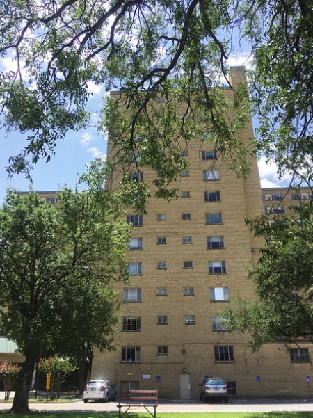 Texas' biggest assisted-living facility for #Medicaid closing https://...