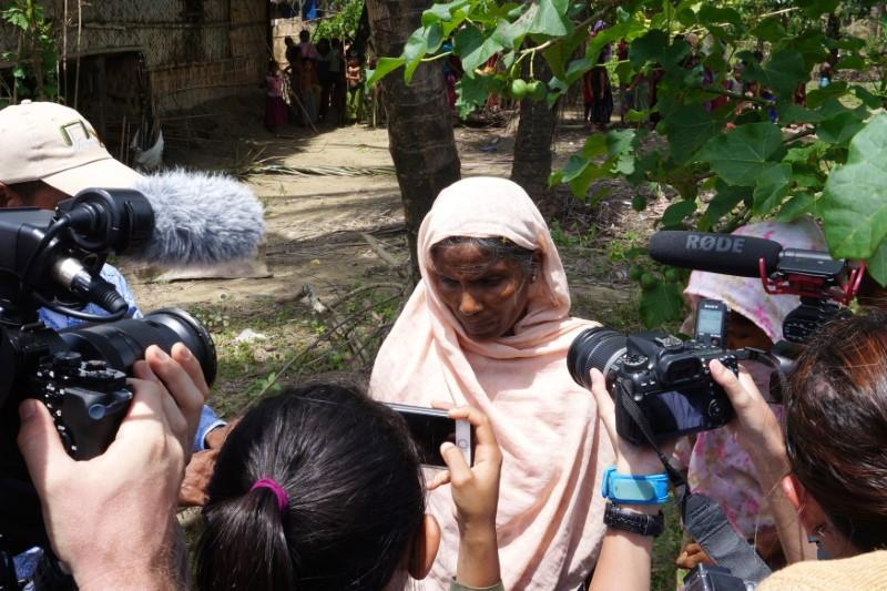 #Myanmar #Rohingya villagers describe vicious military abuses to visiting foreign media  http:// reut.rs/2vujktj  &nbsp;   Killings &amp; disappearances<br>http://pic.twitter.com/LdzrqUvY4f