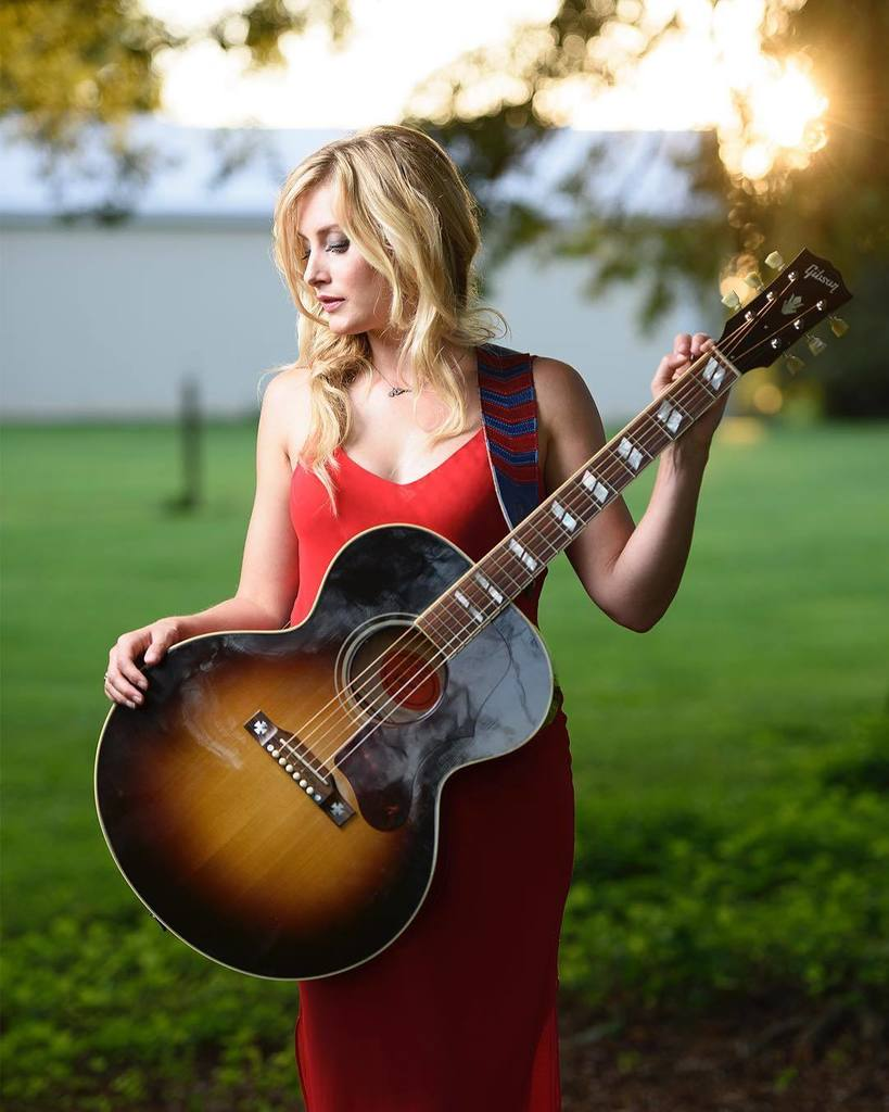 The lovely and talented musician @stephaniequayle posing in the late day light of #summer for #musicmonday. #motiv…  http:// ift.tt/2t9hfCf  &nbsp;  <br>http://pic.twitter.com/g3TdbSfmRl