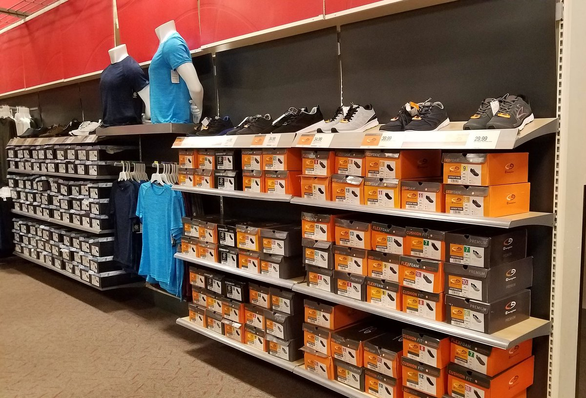 T2320 is driving sales in our mens dept!  #T2320ModelStore #style #shoppability #presentation #KnowYourBusiness<br>http://pic.twitter.com/XsAXxoKyHI
