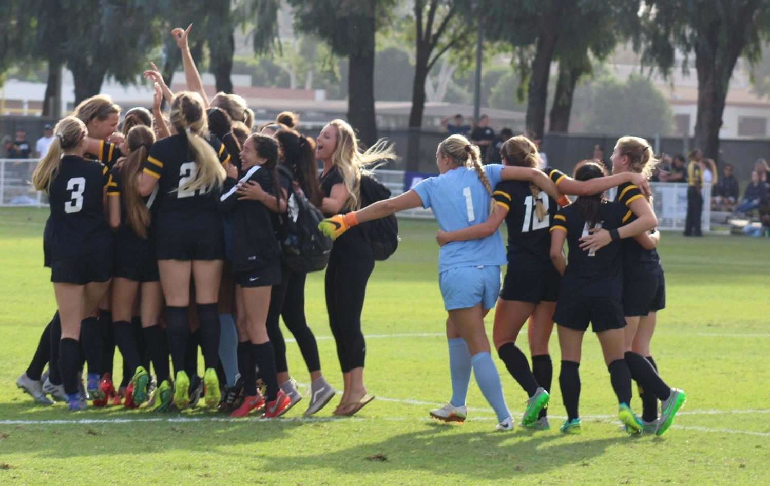 .@LBSUSoccer has released their schedule for the upcoming 2017 season. #LBSU #Sports #Soccer https://t.co/oAbjjZ0Ehn https://t.co/c9QqIuz0RK