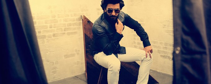 Many many happy returns of the day to  Bold, unapologetic pereon!. Happy Birthday Ranveer Singh!