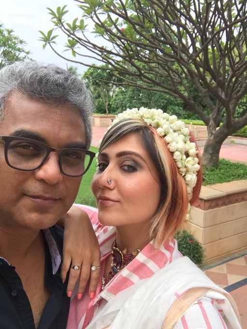 you forcibly click selfies with director @sumanlaal & he manages to give the 'cool-dude' expression 😍😁@TajKrishnaHyd is THE place for pics. https://t.co/Rq7Iodi0wn