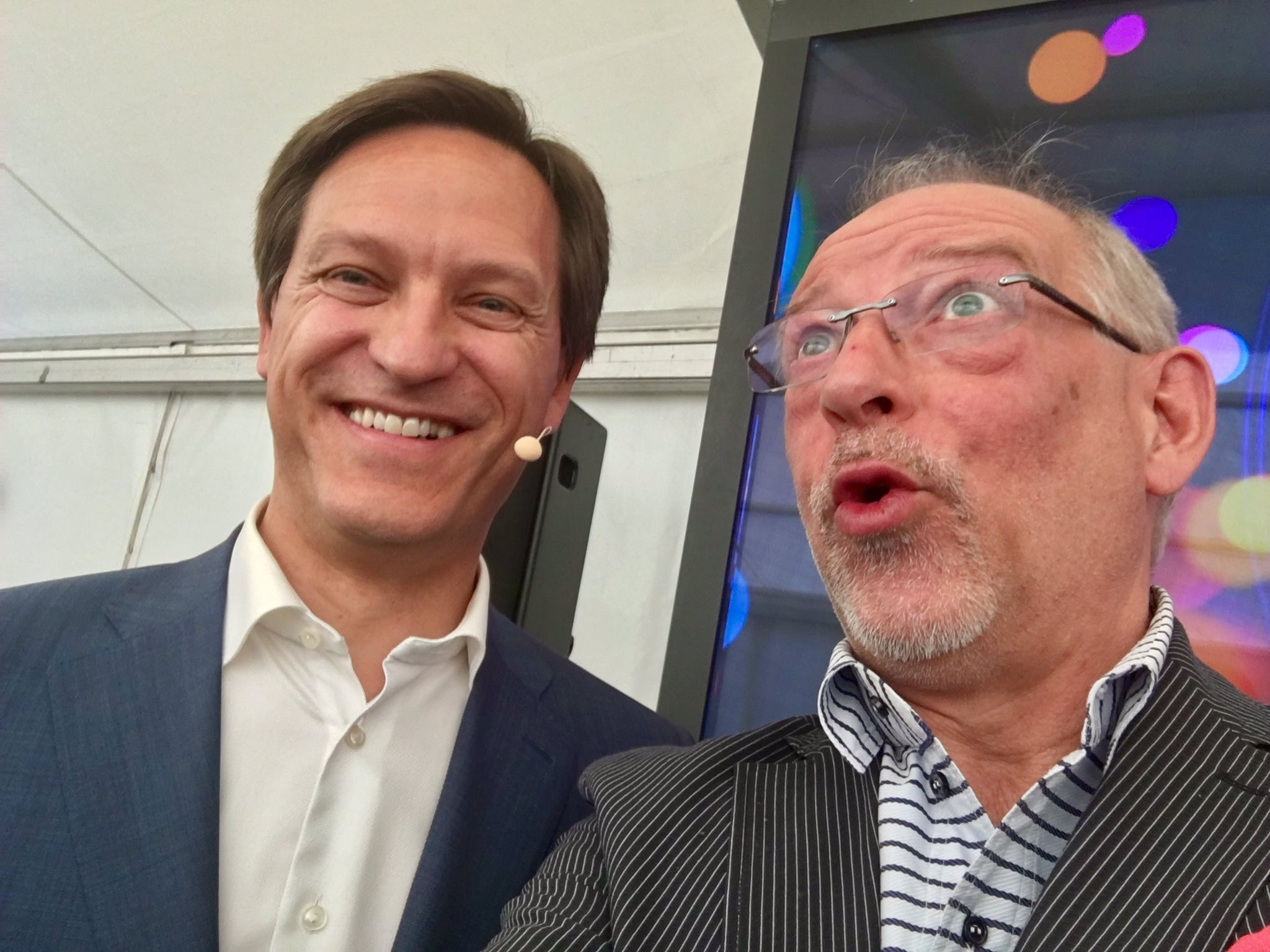 We can start. The photo of the day is done with Jean-Pascal #Bobst. #print #digital #transformation #inkjet https://t.co/O49M7LNIeT