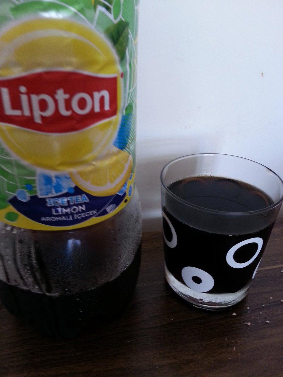 Buzlukta unuttuğumuz ice tea icinden kimsayal fışkırdı! Meğer zehir içiyormuşuz 😲 Çocuklardan uzak tutun derim. @LiptonTurkiye https://t.co/3KtMHs15BP
