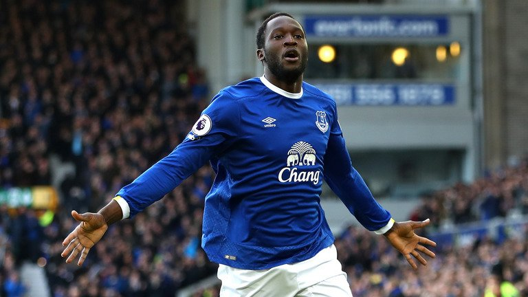 BREAKING: Sky sources: @ManUtd have agreed a £75m fee with @Everton to sign striker Romelu Lukaku. #SSNHQ #MUFC #EFC
