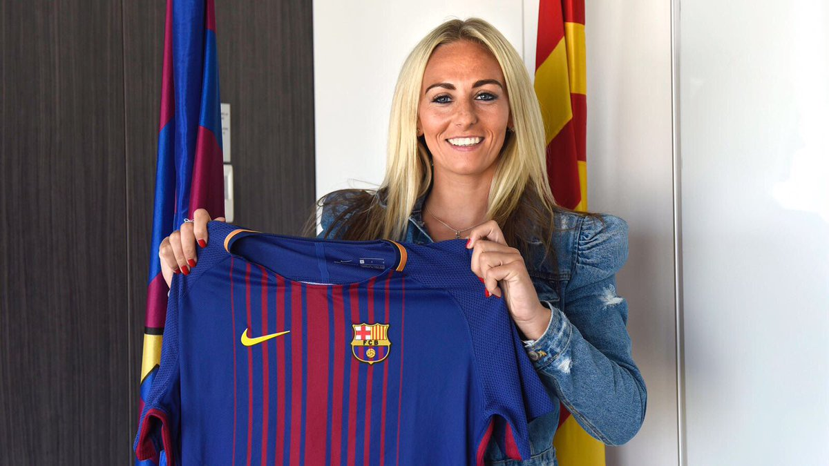 So happy to be joining the biggest club in the world @FCBfemeni #BeBarca 😀😀😀😀