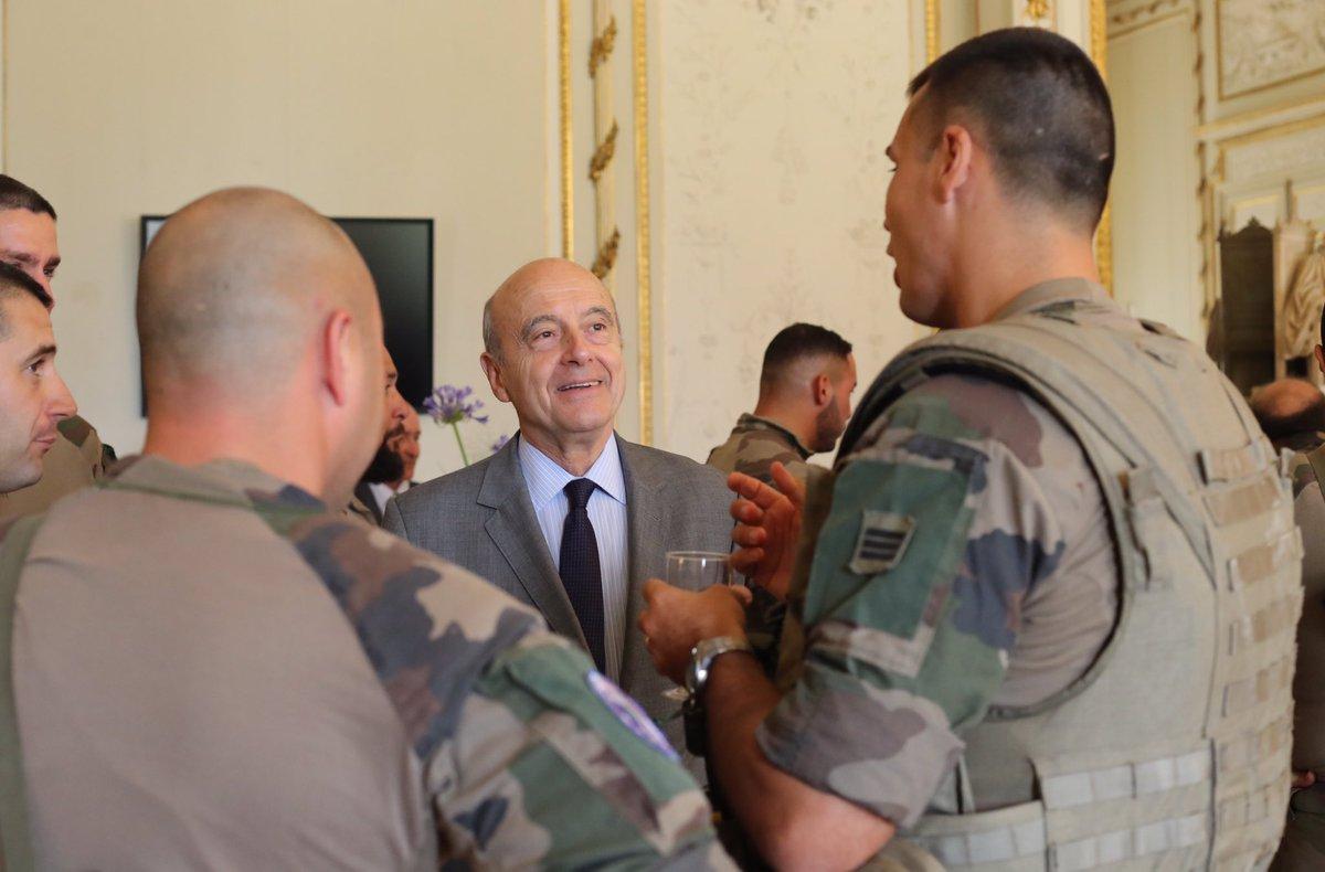J'ai souhaité recevoir nos soldats de la force Sentinelle à l'Hôtel de ville et exprimer la profonde reconnaissance des Bordelais. 🇫🇷